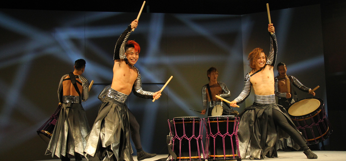 """MANGEKYO"" Japanese Taiko Drum Show Spectacle"