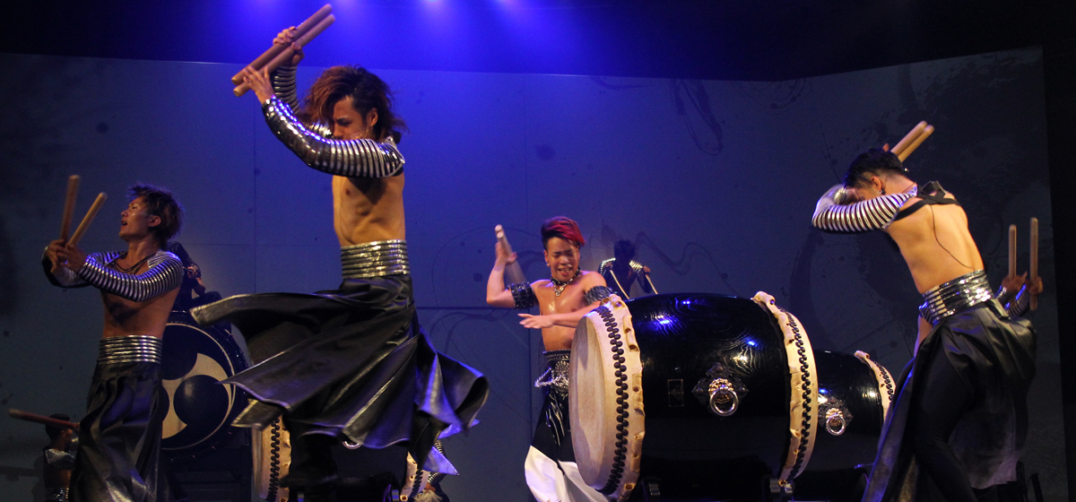 &#8220;MANGEKYO&#8221;<br> Japanese Taiko Drum Show Spectacle